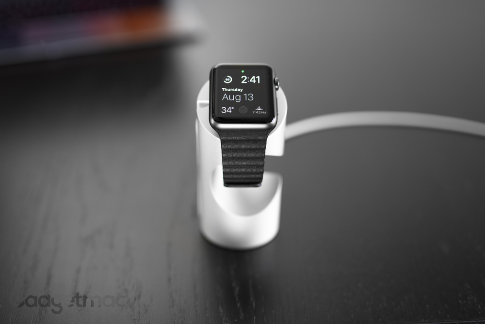 just-mobile-apple-watch-dock-timestand-oled.jpg