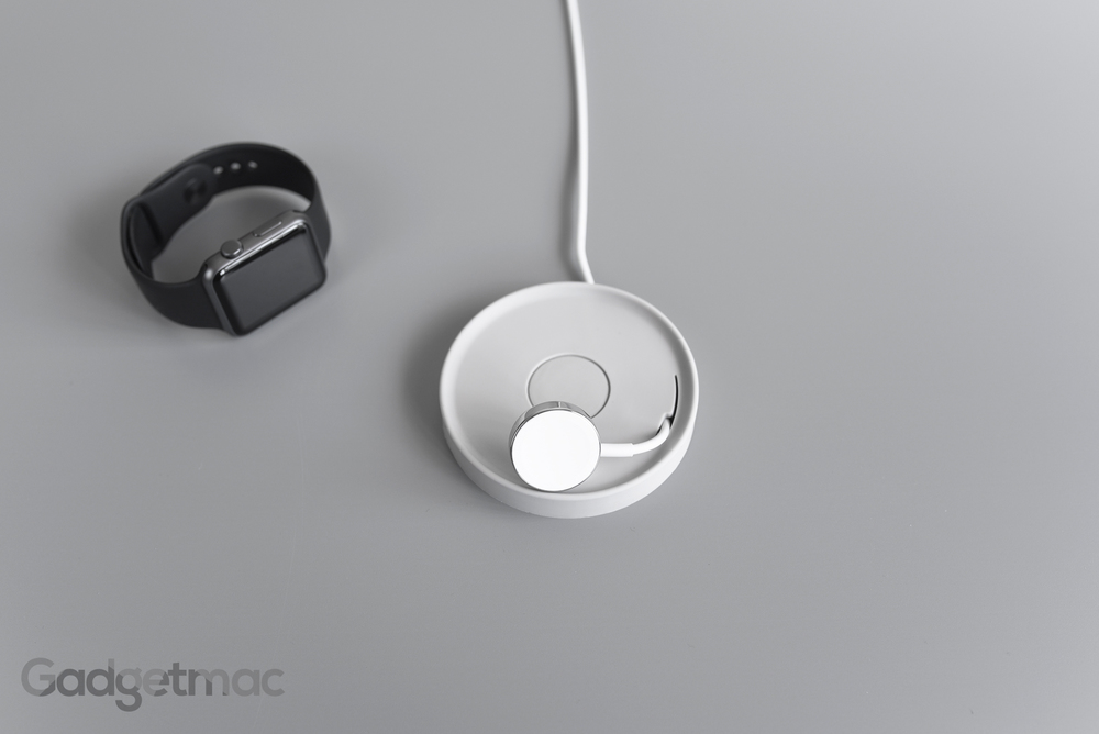 bluelounge_kosta_apple_watch_charging_magnetic_adapter_2.jpg