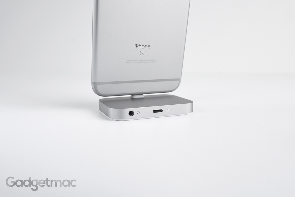 apple-aluminum-iphone-lightning-dock-ports.jpg