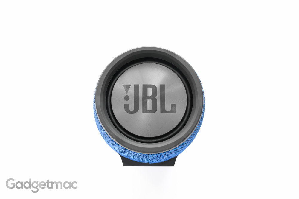 jbl-xtreme-portable-speaker-side-passive-bass-radiator.jpg
