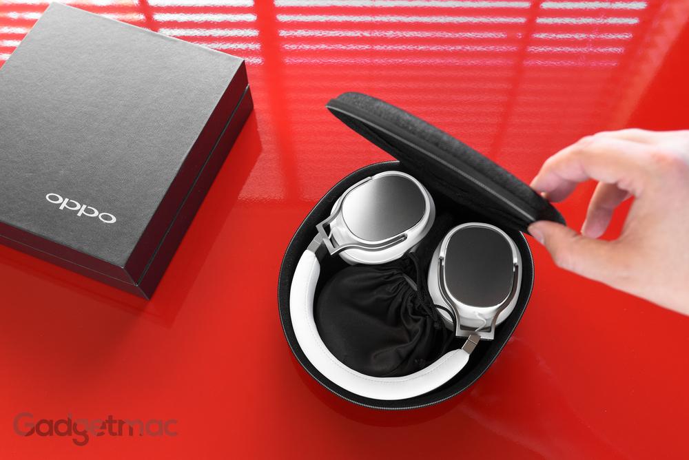 oppo-pm-3-headphones-carry-case-interior.jpg
