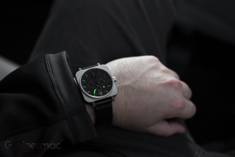 minus-8-square-chrono-black-bright-watch-dark.jpg