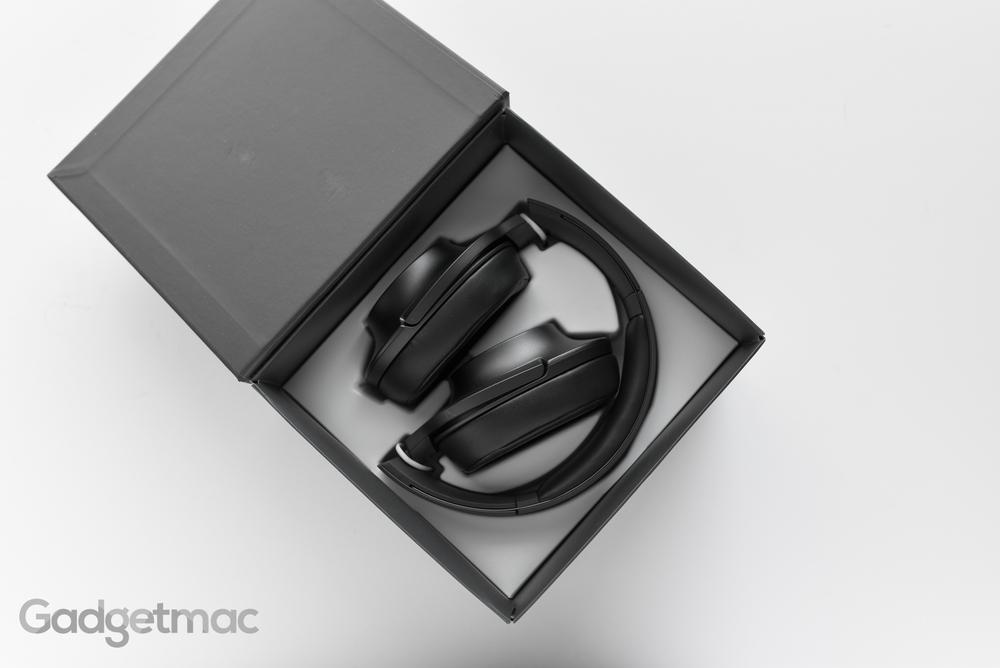 sony-hear-on-headphones-unboxing.jpg