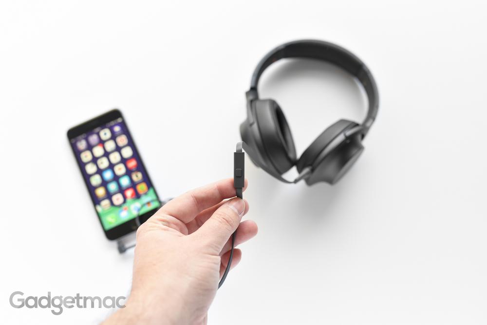 sony-hear-on-remote.jpg