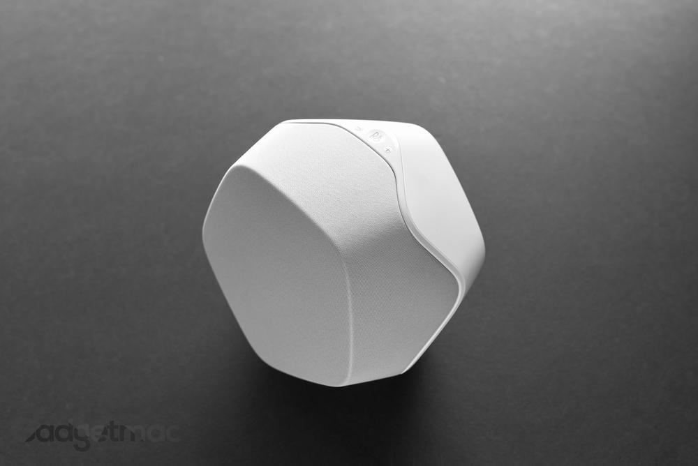 bang-olufsen-s3-white.jpg