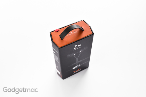 vmoda-zn-in-ear-headphones-packaging.jpg