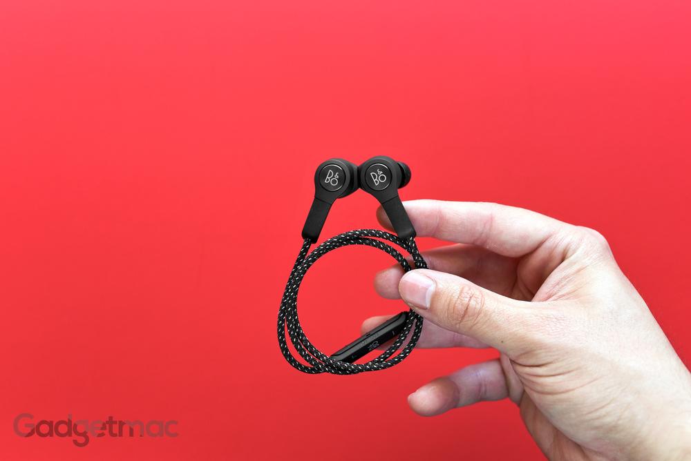bang-olufsen-beoplay-h5-wireless-in-ear-headphones-black.jpg