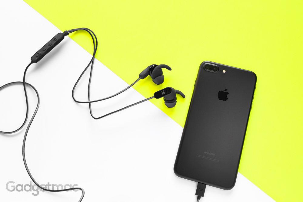 jbl-reflect-aware-lightning-headphones-hero.jpg  sc 1 st  Gadgetmac & JBL Reflect Aware Active Noise-Cancelling Lightning In-Ear ...