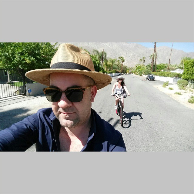 Let's ride    #modepopuli #moda #menwithstyle #menswear #mensfashion #mensclothing #mensootd #fashionpost #fashion #hat #bike #couplefashion #letsride