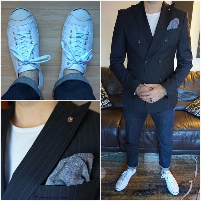 T-shirt and Jeans    #modepopuli #moda #menwithstyle #menswear #mensfashion #mensclothing #mensootd #fashionpost #fashion #zara #zarausa #pocketsquare #followme #losangeles #hm #hmtrend #GQ #gqstyle #converse #jackpurcell #tshirtandjeans