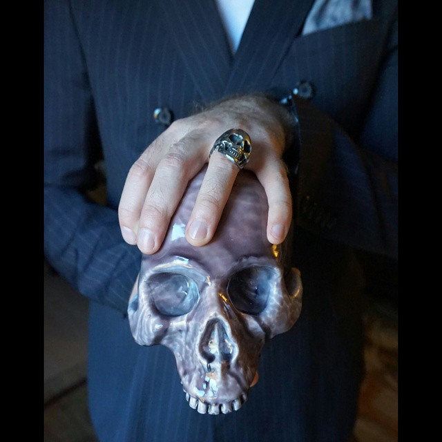 Skull vs skull    #modepopuli #moda #menwithstyle #menswear #mensfashion #mensclothing #mensootd #fashionpost #fashion #zara #zarausa #pocketsquare #followme #pinstripe #hm #hmtrend #skullvsskull