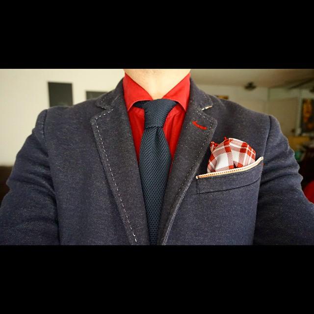 Tie it up    #modepopuli #moda #menwithstyle #menswear #mensfashion #mensclothing #mensootd #fashionpost #fashion #zara #zarausa #pocketsquare #followme #losangeles #hm #hmtrend #GQ #gqstyle #uniqlousa #uniqlo #tieitup