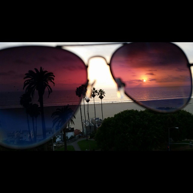 World in my eyes    #modepopuli #moda #menwithstyle #menswear #mensfashion #mensclothing #mensootd #fashionpost #fashion #sunglasses #santamonica #depechemode #beach #worldinmyeyes