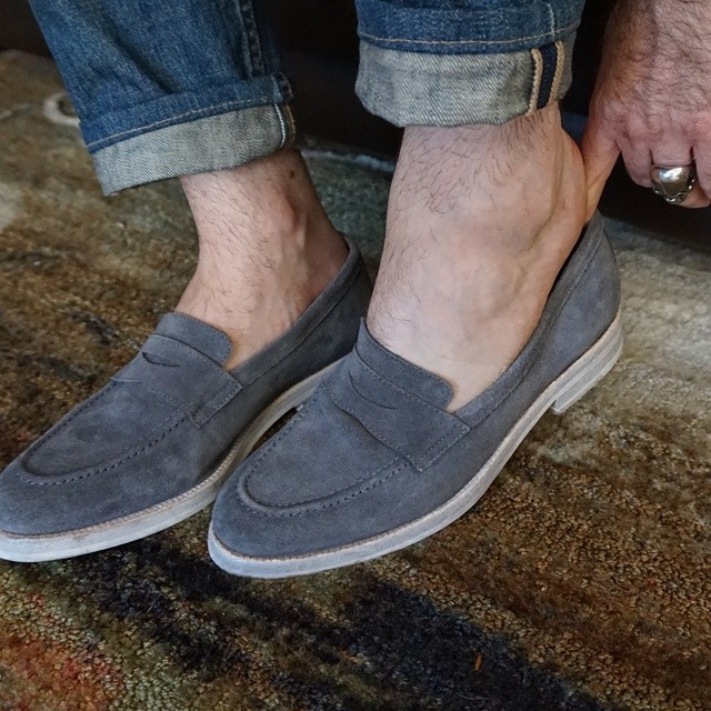 Ready for the day    #modepopuli #menwithstyle #menswear #mensfashion #mensclothing #mensootd #fashion #followme #losangeles #allsaints #loafers