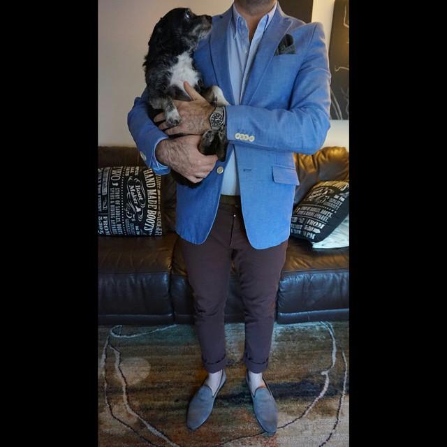 Man's best friend    #modepopuli #moda #menwithstyle #menswear #mensfashion #mensclothing #mensootd #fashionpost #fashion #uniqlousa #uniqlo #LA #losangeles #allsaints #scotchandsoda #aldoshoes #GQ #gqstyle #dog #cute #mansbestfriend