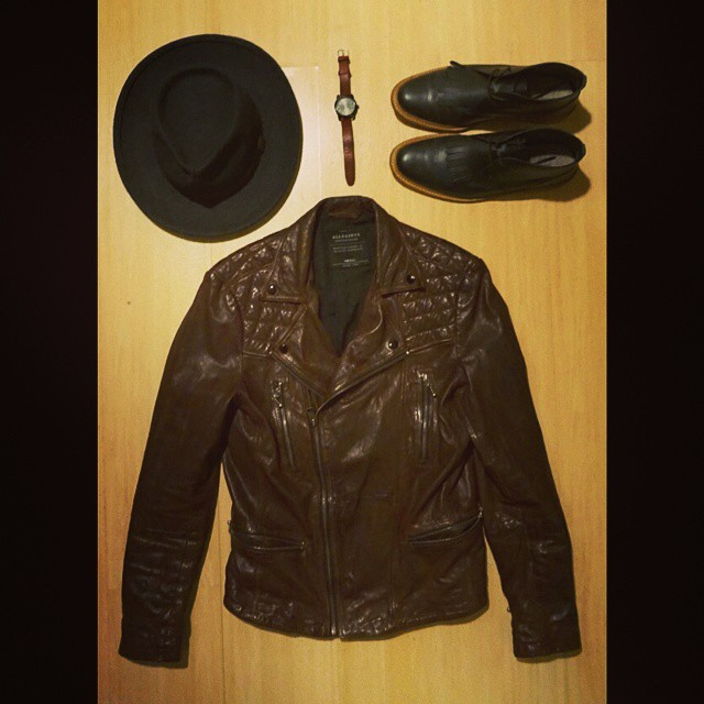 Accessories    #modepopuli #moda #menwithstyle #menswear #mensfashion #mensclothing #mensootd #fashionpost #fashion #allsaints #leatherjacket #leather #gq #gqstyle #originalpenguin #timex #chachashouse #hat #accessories