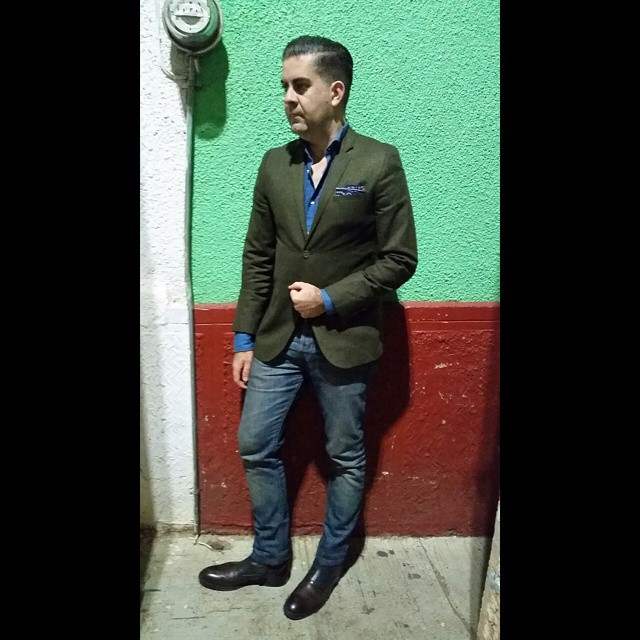 Nightcrawling    #modepopuli #moda #menwithstyle #menswear #mensfashion #mensclothing #mensootd #fashionpost #fashion #zara #zarausa #allsaints #GQ #gqstyle #mexico #tepatitlan #tepa #howeclothing #pocketsquare #style #dapper #nightcrawling (at Tepatitlan De Morelos Jalisco Mexico)