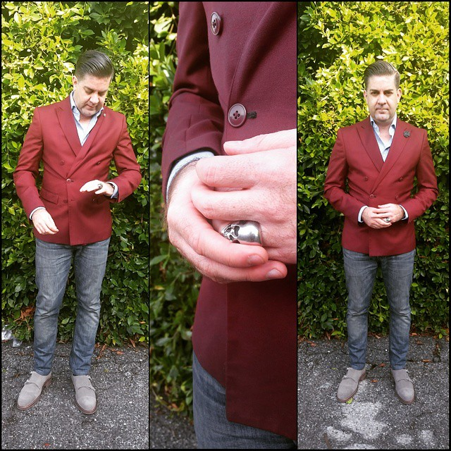 Lord of the Rings    #modepopuli #moda #menwithstyle #menswear #mensfashion #mensclothing #mensootd #fashionpost #fashion #hm #hmtrend #GQ #gqstyle #gqstylehunt #gqego #allsaints #bananarepublic #jeans #doublebreasted #doublemonk #ring #skull #lordoftherings