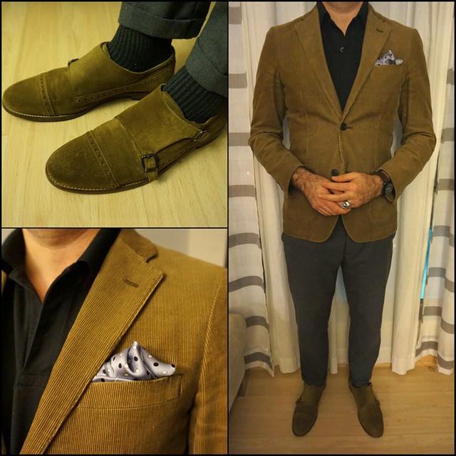 Simple    #modepopuli #moda #menwithstyle #menswear #mensfashion #mensclothing #mensootd #fashionpost #fashion #zara #zarausa #allsaints #GQ #gqstylehunt #gqstyle #gqego #uniqlo #uniqlousa #pocketsquare #clarkeandbarba #style #dapper #simple