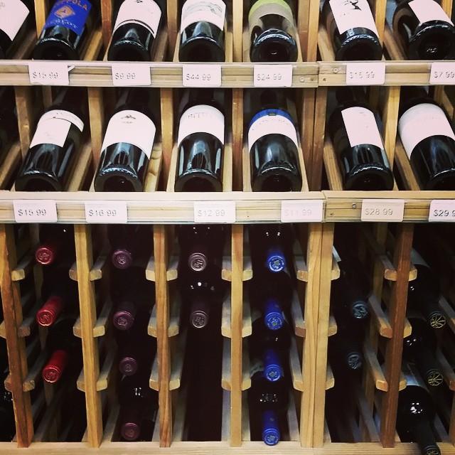 Decisions Decisions    #modepopuli #wine #weekend #losangeles #keepitclassy #redredwine #decisionsdecisions