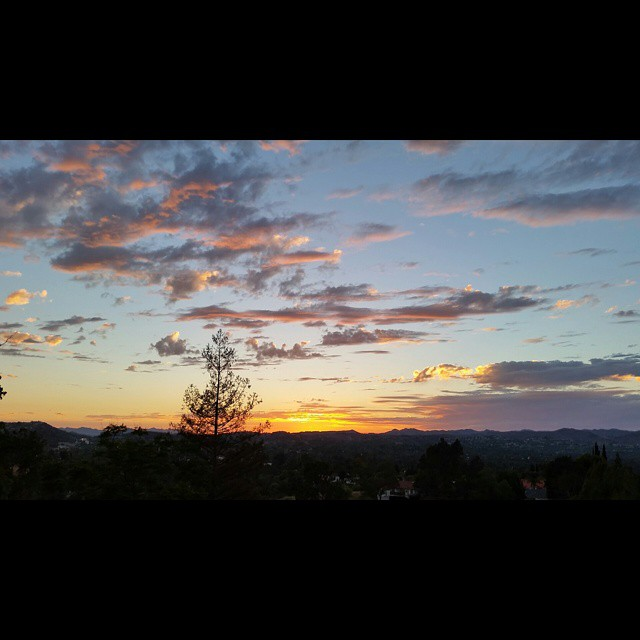 Sunday Sunset    #modepopuli #sunday #sunset #clouds #view