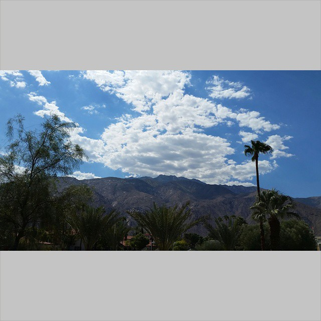 View    #modepopuli #moda #sky #palmsprings #clouds #mountains #view