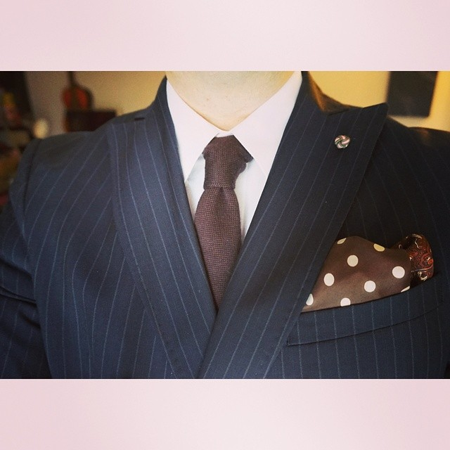 Keep it classy    #modepopuli #moda #menwithstyle #mensfashion #menswear #mensclothing #mensootd #fashionpost #fashion #uniqlousa #uniqlo #zara #zarausa #pocketsquare #followme #pinstripe #keepitclassy