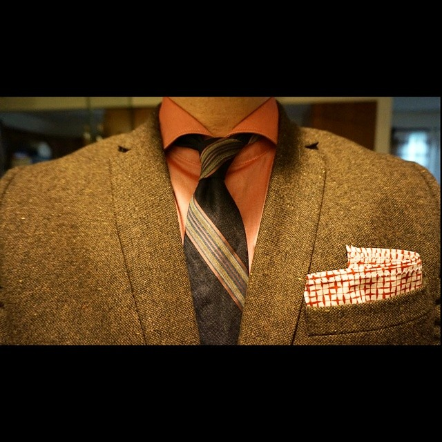 Suit up Sunday    #modepopuli #moda #menwithstyle #menswear #mensfashion #mensclothing #mensootd #fashionpost #fashion #hm #hmtrend #clubmonaco #mrhankee #suitupsunday #pocketsquare #tie