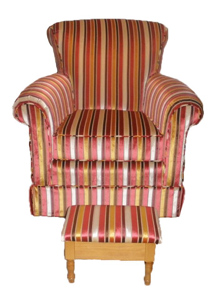 Rembourrage de fauteuil et pouf assortie