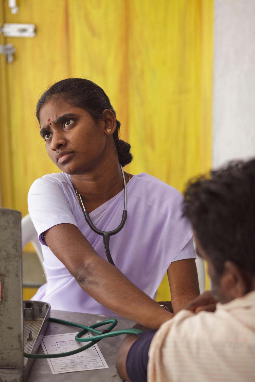 20110226_aravind-field-clinic_05.jpg