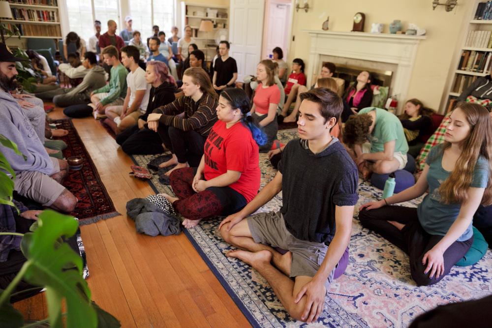 ibme-meditation-yoga_04.jpg