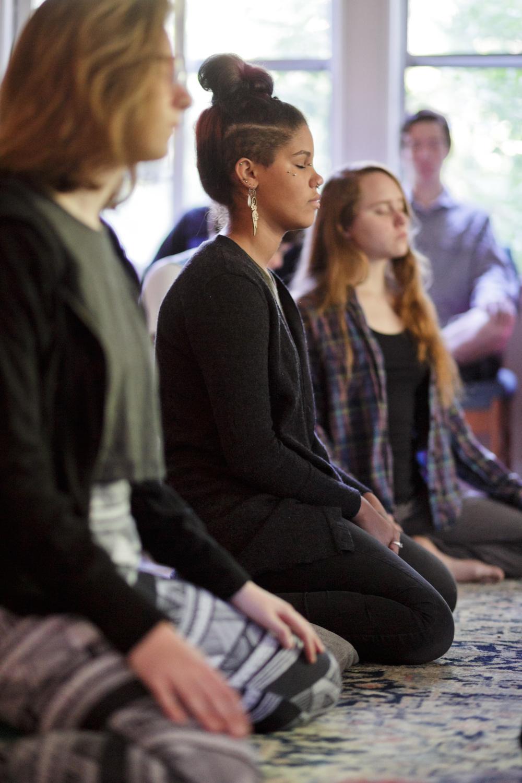 ibme-meditation-yoga_06.jpg