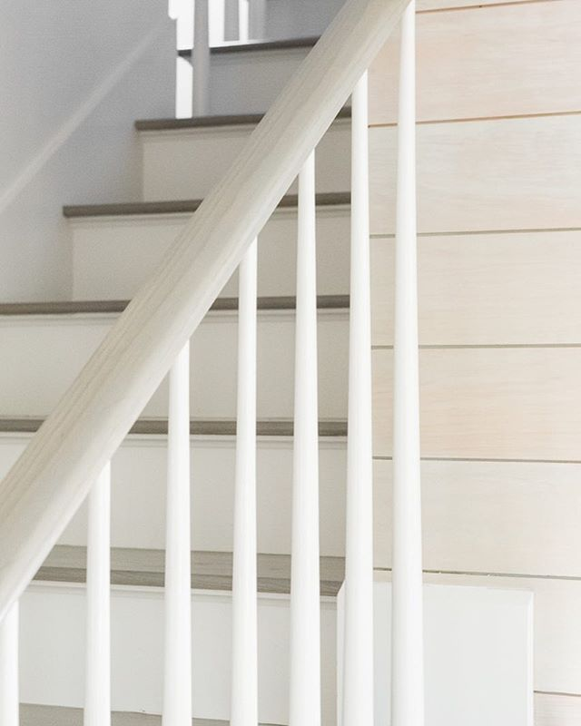 The devil is in the details. #customhomes #stairdetails #lightandbright #traditionalmeetsmodern #details