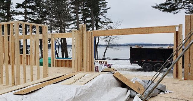 Oh hey, look at that ridiculous view. No matter what time of day it is, the landscape never disappoints. Our Sebago Lake project is finally underway with framing moving along at a solid pace. Can't wait to show you all more from clients #lakesideisthebestside 🎉🙌🍾 #customhomes #residentialconstruction #architecturaldesign #lakesideinmaine #sebago