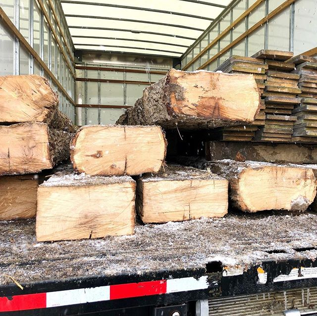 This load of antique white oak beams was found by @rousseaureclaimed for our #lakesideisthebestside project. Spec'd by @morrisondesignhouse the idea is to vary the look with different cuts/ages of white oak. These beams will sit side by side with quarter sawn white oak boards with a slightly pickled finish and opposite a center cut white oak floor. Sure to be a stunning room! #reclaimedwood #whiteoak #architecturaldesign #customhomes #imaginethepossibilities