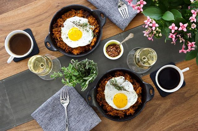 Did you forget to plan something special for your honey today? Make it up to them in the morning with this sweet potato hash brown dish. Recipe link in profile! #julieandjesse #valentinesday