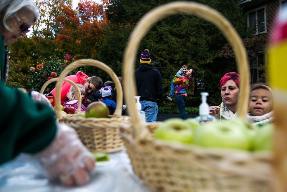 Families explore Applewood Estate during the Apple Crunch Day on Thursday, Oct. 13, 2016 in Flint.
