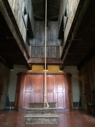 This is the torture chamber where prisoners were convinced to confess to crimes they may or may not have committed.  The were tied up with their arms behind their backs and lifted up. Three judges asked them questions in the dark, and people watched from the sidelines.  Prisoners were waiting in the chambers behind closed doors and could hear the prisoners being tortured.