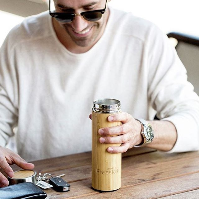 The perfect Father's Day pressie for any man who is on the go. The Rush Flask is great for hot or cold drinks and comes in its own stylish gift box. Link in profile x 📷 @madebyfressko_official  #sustainablegifting #flask