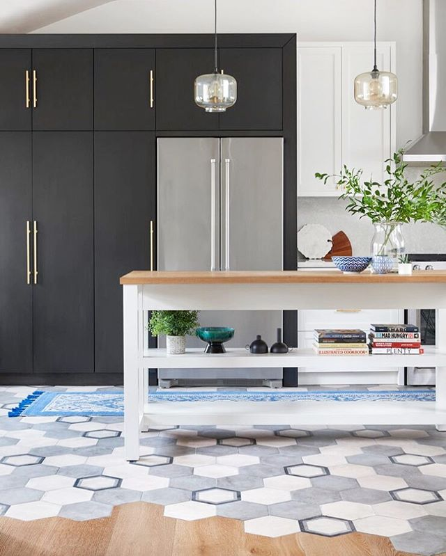 Friday 🙌🙌 goals  @carriagelanedesign_build • #toronto #hextile #tilecutintohardwood #modern #eclectic #decor #elledecor #ciot #design #torontolife #cabinetry #kitchen #midcentury