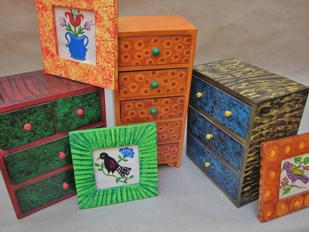 Grained and painted boxes by Kristin Helberg