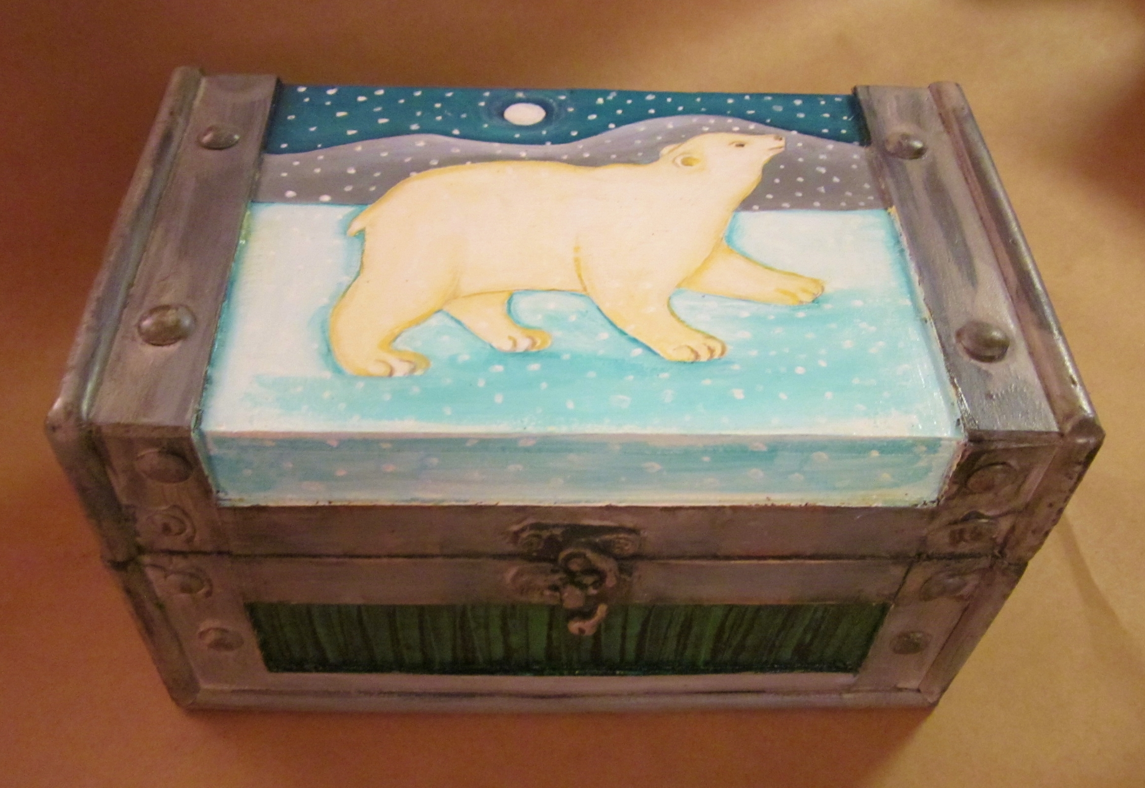 Polar Bear Chest