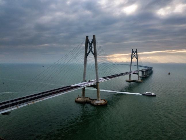 The newly-built HZM Bridge