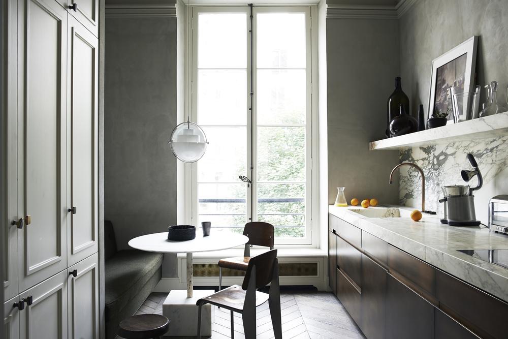 Paris / Monochrome Home / 8 of 10