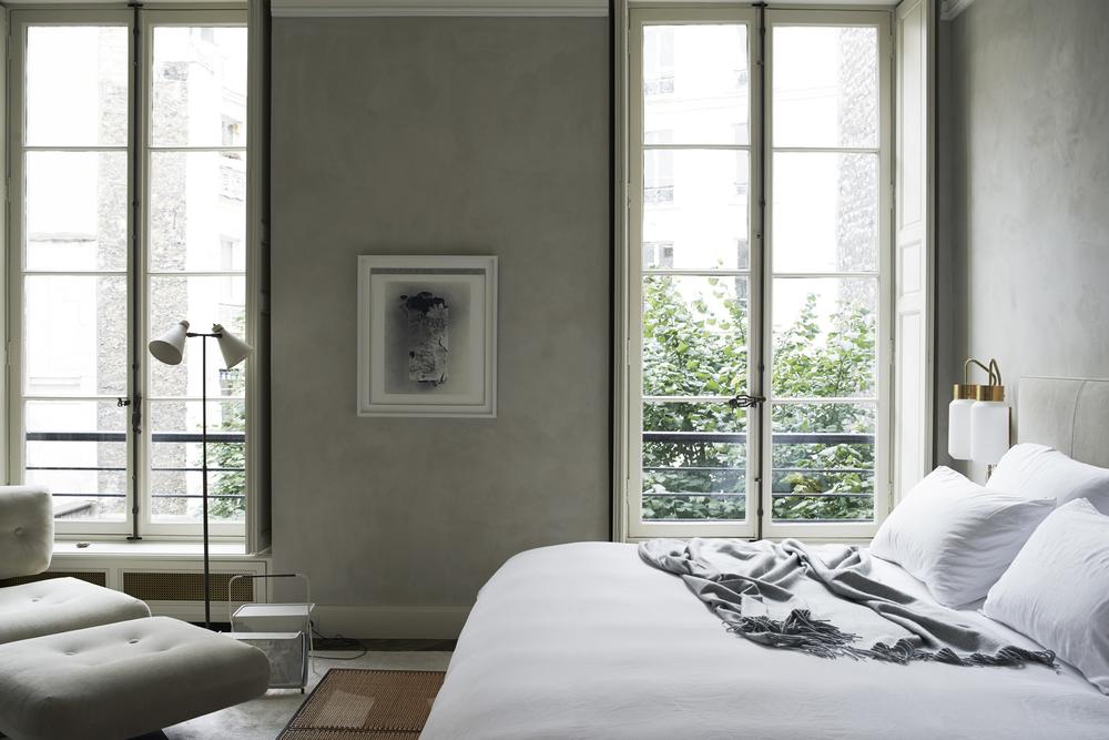 Paris / Monochrome Home / 1 of 10