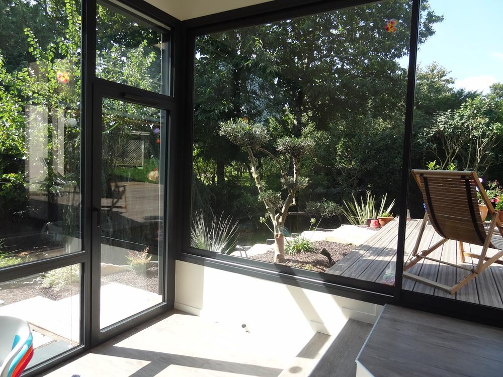 Salon : grande baie vitrée