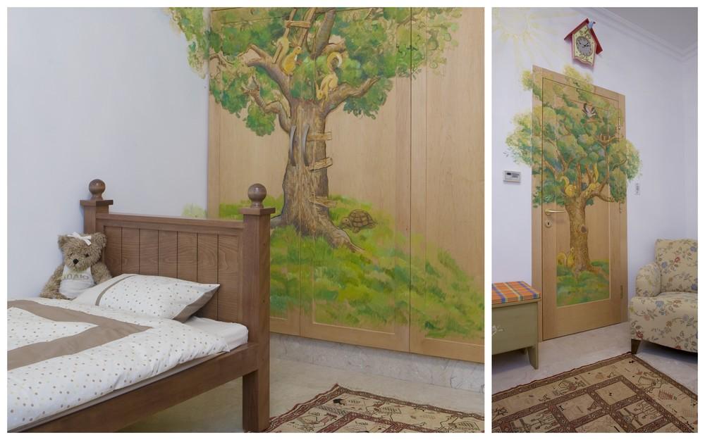 חדר מצויר עם מיטת מעבר לילד שובב שאוהב לטפס על עצים