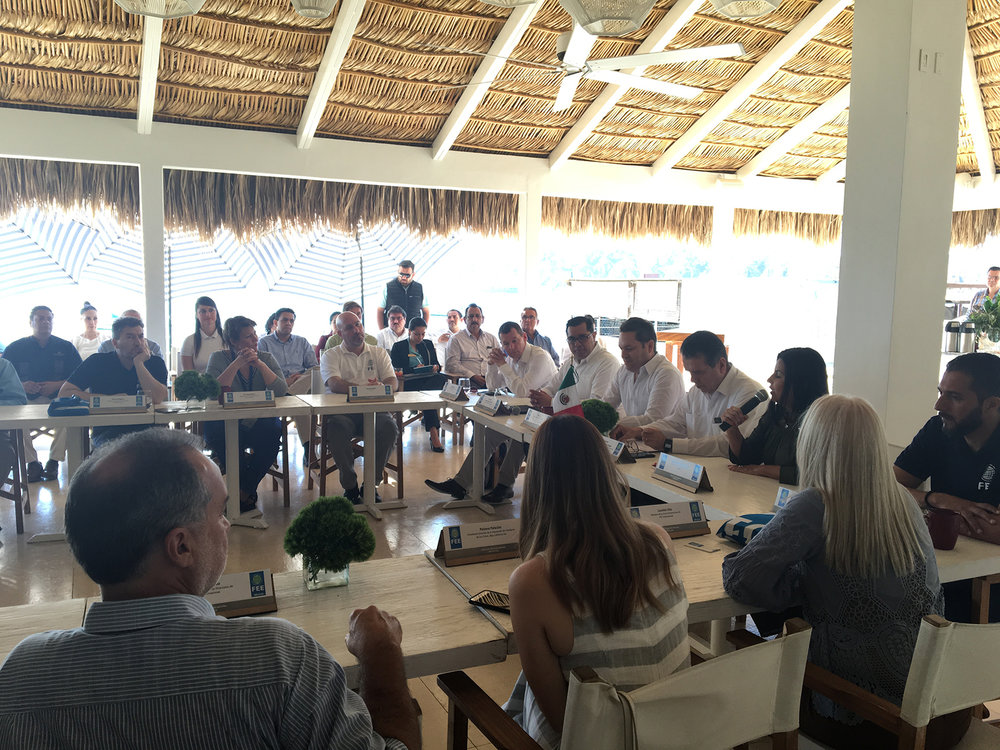 Meeting of FEE BoD with Los Cabos mayor (speaking), representatives of federal and state Tourism Ministries, and representatives of local tourism industry.