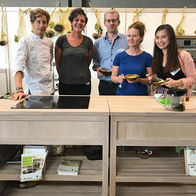 Dream team @bioliciousbeurs  today! Visit us tomorrow: enjoy plant based #finedining by @pieterjanlint, learn how to make tea like a pro with @detheeblog and taste our crunchy #exotic #freezedried #fruits 😋. More photo's soon from the talented @frenchbeans.be • • • #bio #people #vegan #delicious #antwerp #detheeblog #pieterjanlint #adyabio #adya