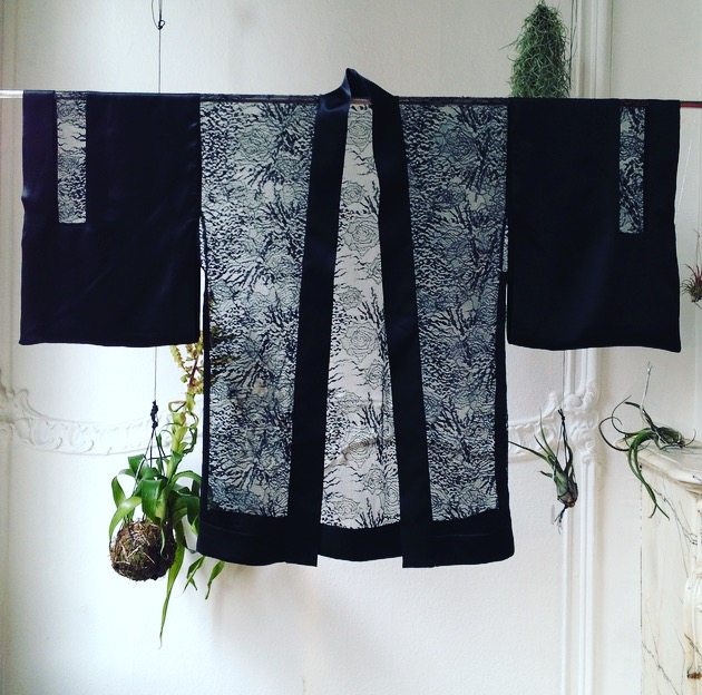 Black silk Kimono with french lace
